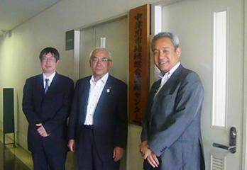 伴名古屋大学教授、青山市長、安藤センター長(中津川市民病院長)